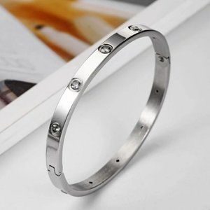 *NEW Silver Round Diamond Bangle Bracelet